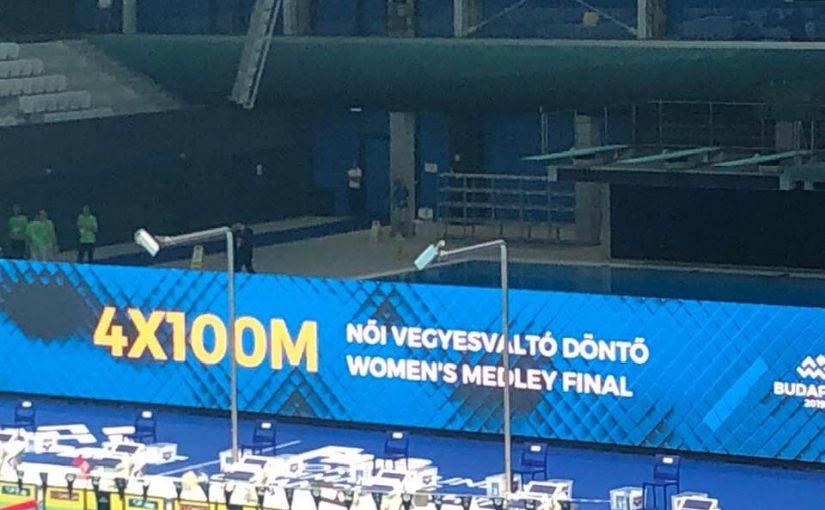 4×100 m női vegyesváltó 6. hely